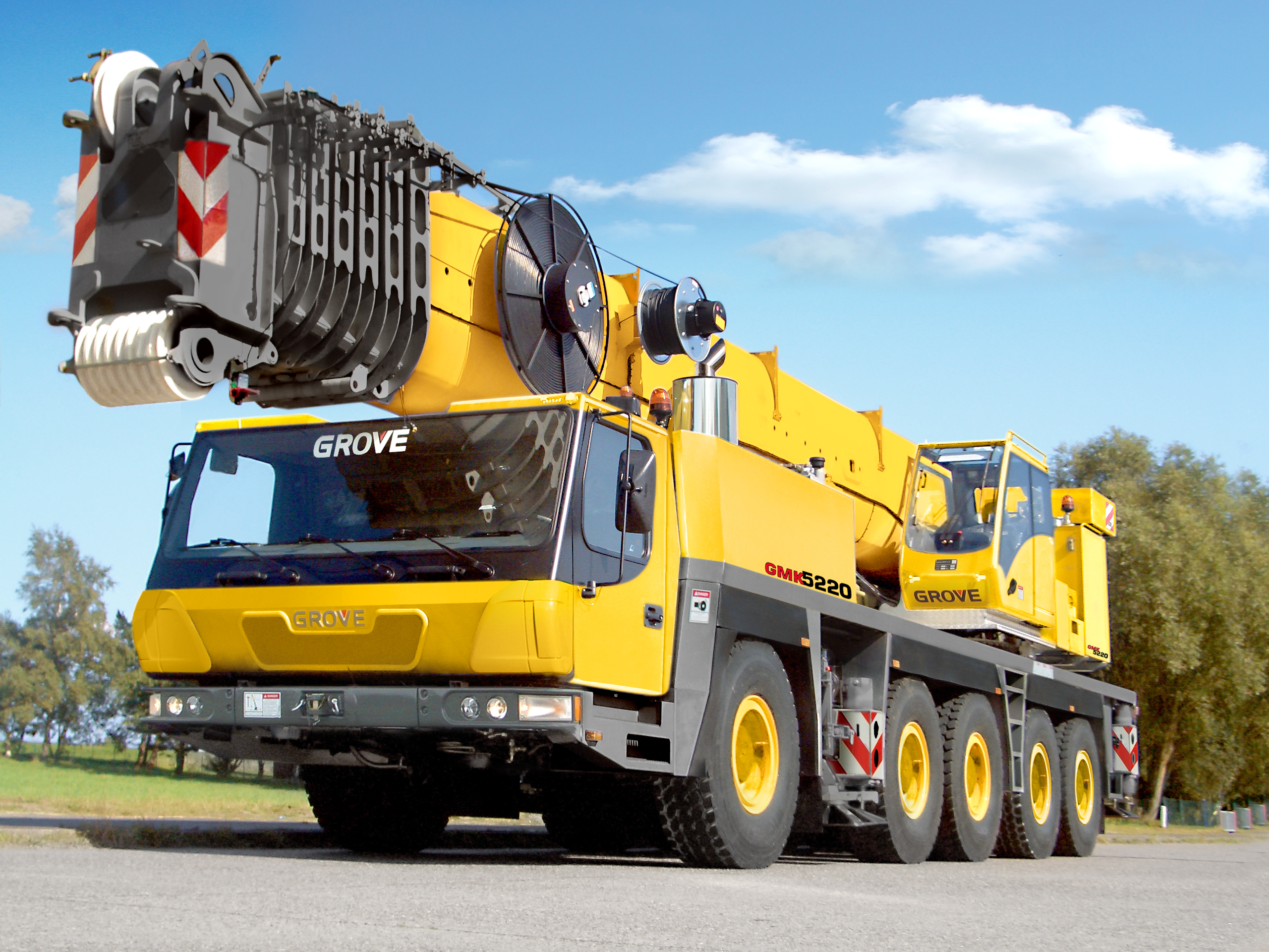 Know All About Manitowoc S Five Axle Gmk Cranes Bts Crane
